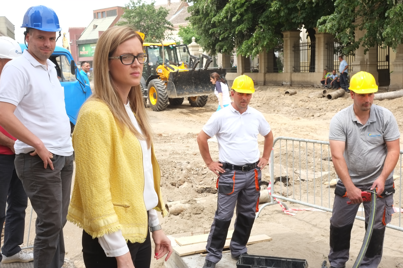 """JP """"Srem-gas"""" Sremska Mitrovica: Infrastrukturno opremanje urbanog jezgra grada"""